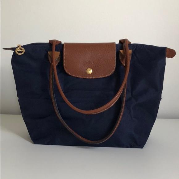 0818b54ff Longchamp Handbags - Longchamp Le Pliage tote bag M navy large handle